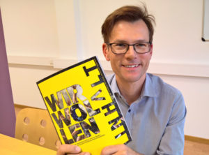 Clemens Jager mit CMF-Magazin